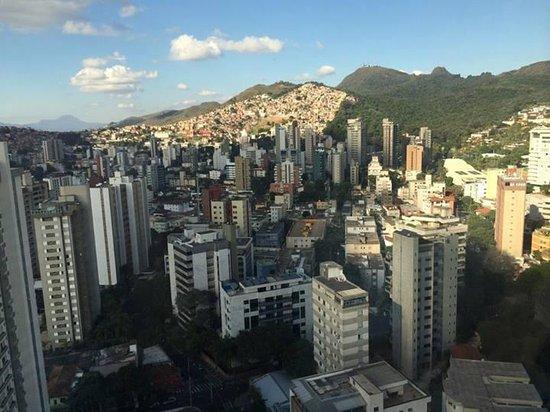 Quality Hotel Afonso Pena: Vista do quarto