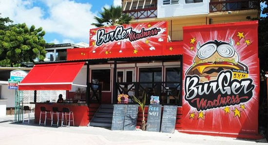 St maarten burger madness : A look from outside