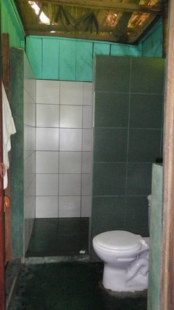 Maniti Expeditions Eco-Lodge & Tours Iquitos: Bathroom