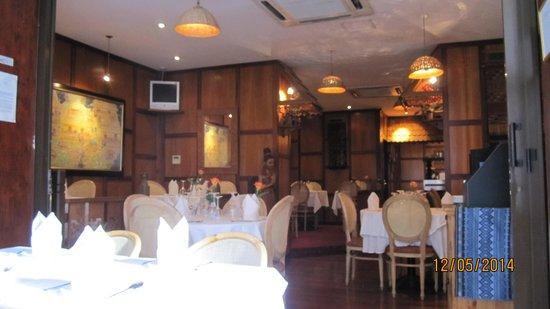 Royal Thai: the decor