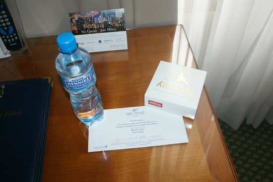 Eden Palace au Lac: Excellent amenety but the worst room ever
