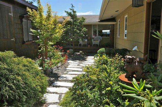 Takaki House: Courtyard