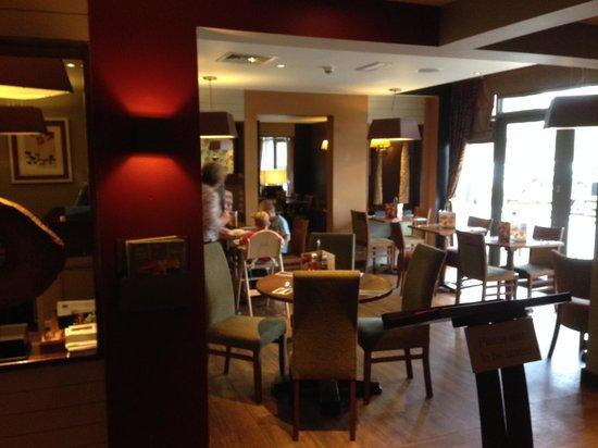 Premier Inn Rochester Hotel: Premier Inn Rochester Dining Room