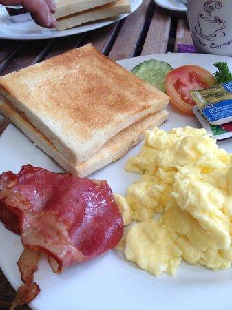 Coffee Corner : Scrumptious Breakfast