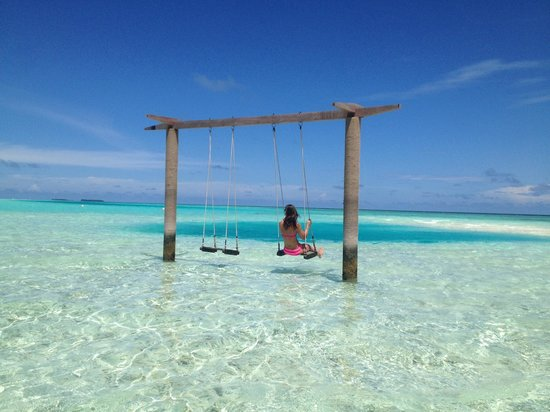 Anantara Veli Maldives Resort: coolest swing ever!