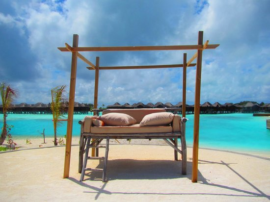 Anantara Veli Maldives Resort: couch
