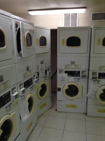 Monumental MovieLand: Lava roupas e secadoras