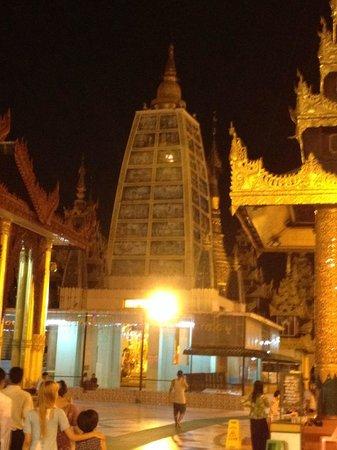 Pagode Shwedagon : View 2