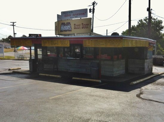 Mason's Root Beer Drive-In
