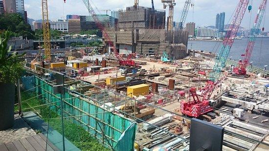 InterContinental Hong Kong : Pool View 2