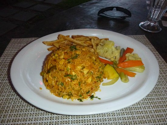 Roberto's Bar & Restaurant: arroz con pollo
