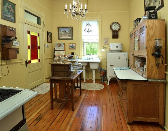 Waverly Cottage: Kitchen