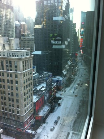 Novotel New York Times Square: View from Broadway room