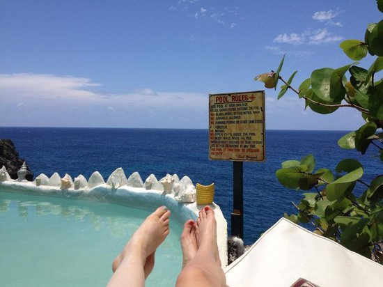 Great Huts : Ocean side pool - fantastic view!