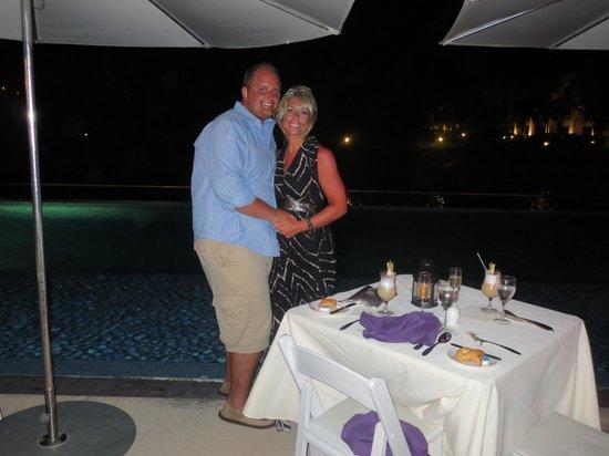 Hard Rock Hotel & Casino Punta Cana: The bongo pool dinner