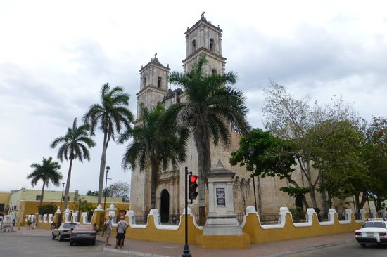 El Meson del Marques: Cathedral right across the street