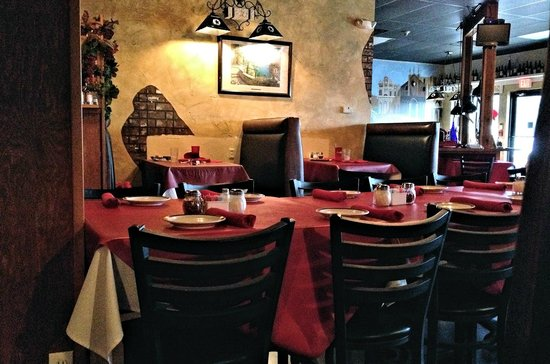 The Interior Of Pellegrino S In Sanger Tx Is Nice But Typical Italian Restaurants