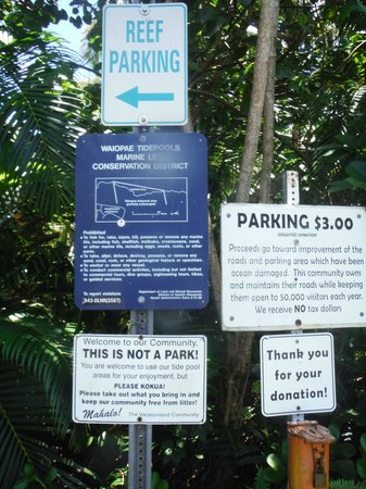 Kapoho Tide Pools: Community signs