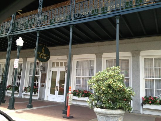 The Marshall House: Front of hotel