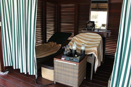 Hard Rock Hotel Bali: Poolside Cabana