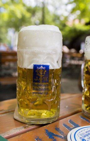 Augustiner-Keller: Perfection.