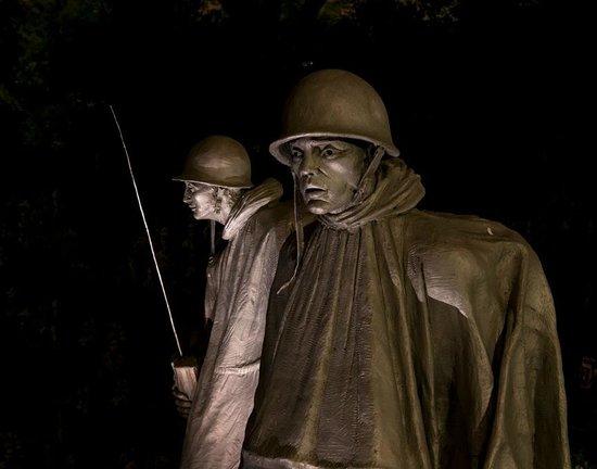 Korean War Veterans Memorial : a night time shot