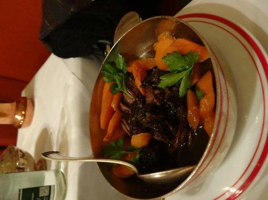 Restaurant Allard: Beef in red wine with carrots