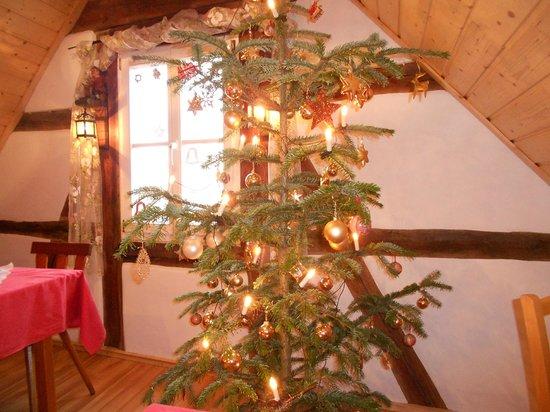 Pension Elke : Christmas Tree in Breakfast Room