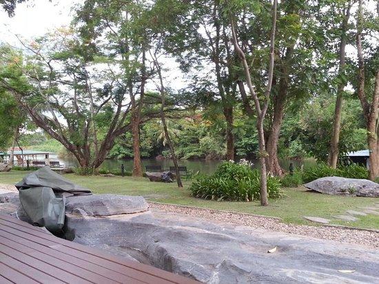 Pung-Waan Resort: เย็นสบายเมื่ออยู่มุมนี้