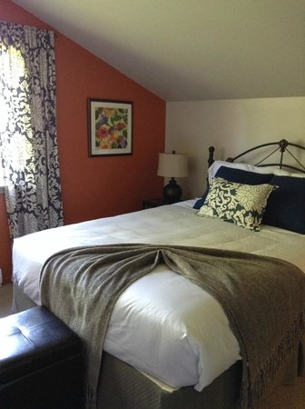 Hedgerow House Bed & Breakfast: my room / studio