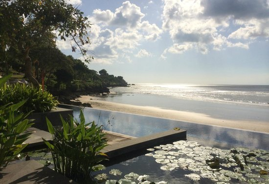Four Seasons Resort Bali at Jimbaran Bay: View from Sundara Lounge area