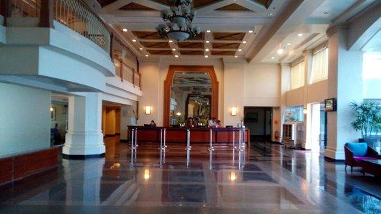 Canyon Cove Beach Club: lobby