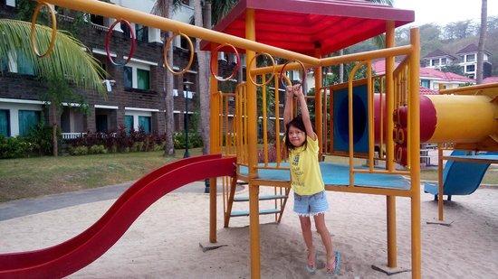 Canyon Cove Beach Club: playground