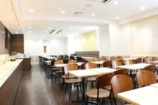 Vessel hotel Fukuyama : 広々ラウンジ