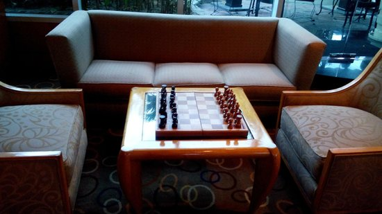 Pan Pacific Manila : chess set