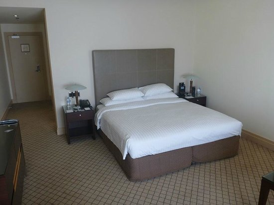 Hyatt Hotel Canberra : Very comfy bed.