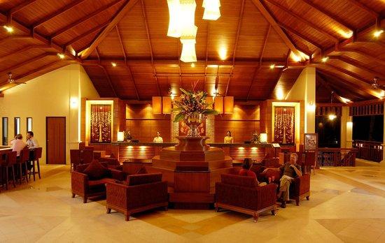 Horizon Karon Beach Resort & Spa: Lobby