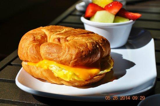 Courtyard San Diego Old Town : Breakfast @ Bistro