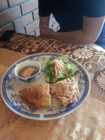 Golden Rice : Vietnam style rice pancake. Very good!