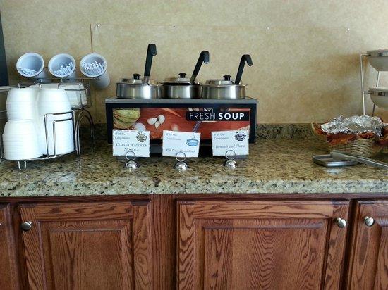 Sleep Inn & Suites: Dinner Soup