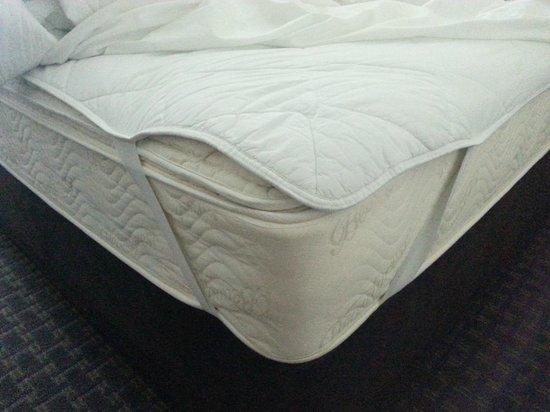 Sleep Inn & Suites: Bed Matteress pad