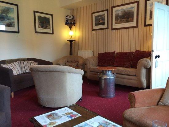 Rollestone Manor: Bar/Lounge