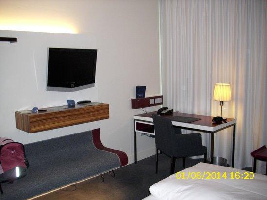 Radisson Blu Hotel, Frankfurt: hotel room