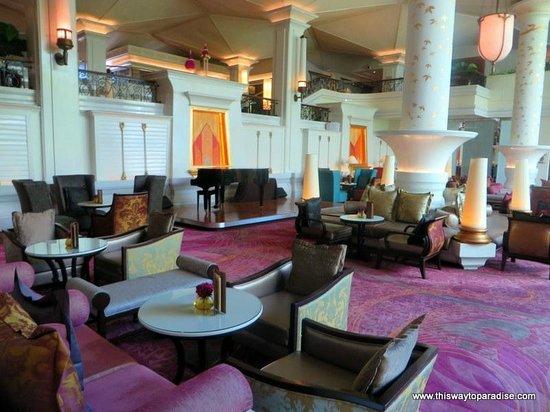 Dusit Thani Bangkok: Lobby