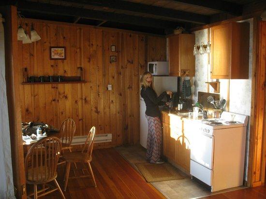West Beach Resort: Kitchen
