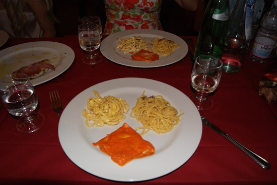 Eating Italy Food Tours: Pasta samples