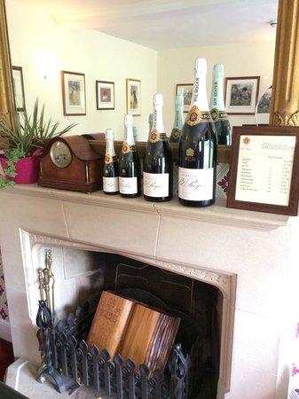 Rollestone Manor: Dining room