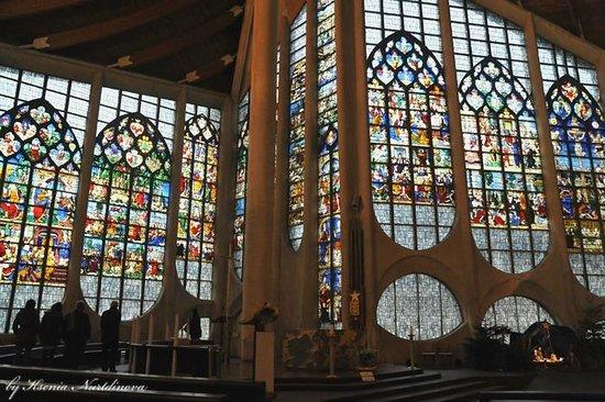 Église Sainte-Jeanne-d'Arc : Church of St. Joan of Arc