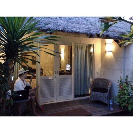 Scallywags Resort : The frontyard