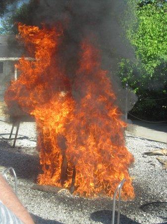 Pelletier's Restaurant & Fish Boil: flames